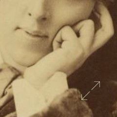 Oscar Wilde detail of fingers in number 9B